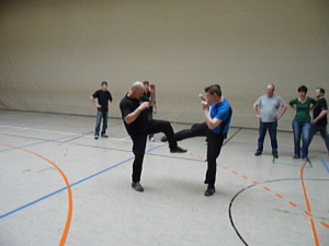 Training in Straßenkleidung
